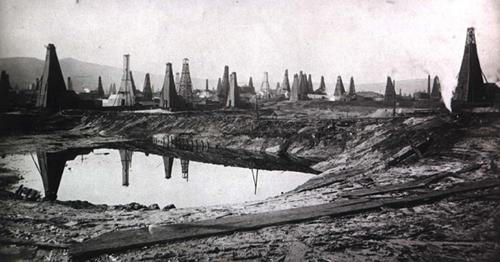 baku-oil-wells-2