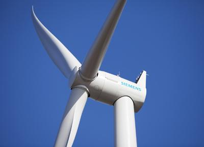 The new 3.0 MW direct drive permanent magnet generator wind turbine from Siemens (image courtesy of Siemens Energy)