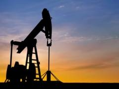 3 Stocks that Could Plunge if Oil Surges Above $100