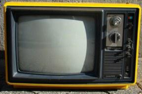 yellow_old_tv