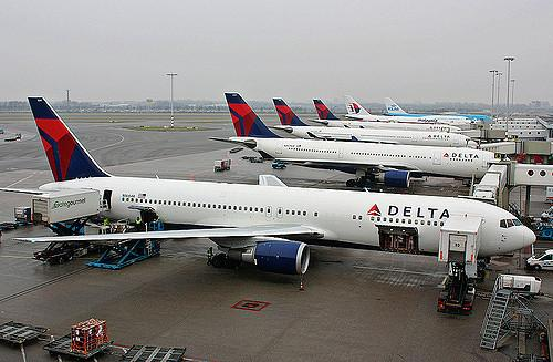 Do Analysts See Any Upside to Delta Air Lines, Inc. (NYSE:DAL)?