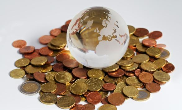 Global growth lifted by rising consumer and business spending