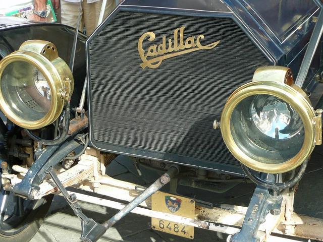 Cadillac, GM
