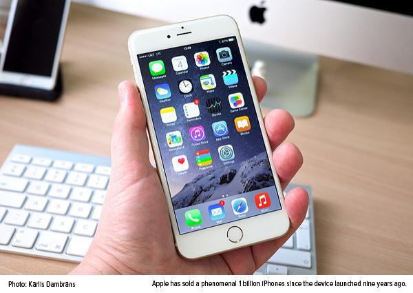 Apple has sold phenomenal 1 billion iPhones