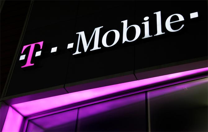 Mobile US Inc Earnings Top Expectations As Customer Count Surges