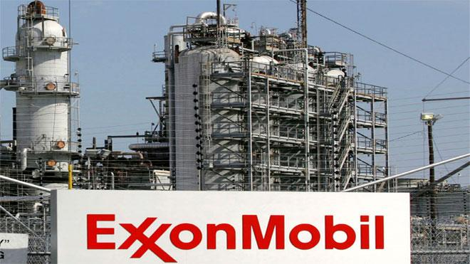 Trump Cheers Exxon's Plan to Create 45000 Jobs