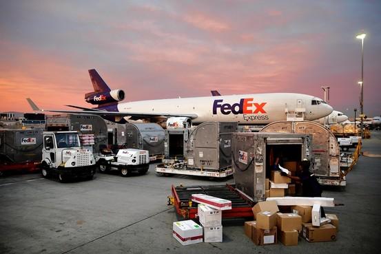 fedex corporation remains on track as market wavers fedex corporation nyse fdx seeking alpha. Black Bedroom Furniture Sets. Home Design Ideas