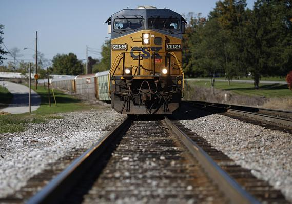 CSX reports higher Q1 profit on rising freight volumes, customer rates